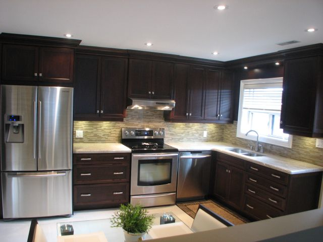 North west toronto custom kitchen design ideas kitchen for Kitchen cabinets york region