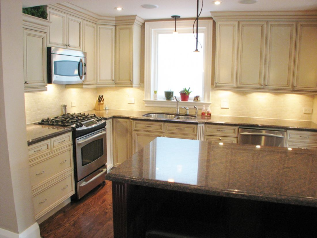 Leaside toronto kitchen remodel custom kitchen design for Kitchen cabinets york region